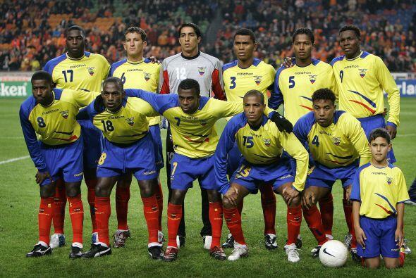 Con el combinado de Ecuador recibió su primer llamado en el 2005, luego...