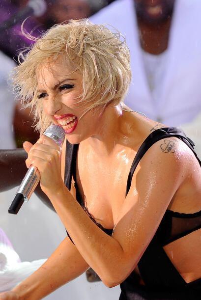 La controversial cantante mostró su lado de princesa a la Harley Davidso...