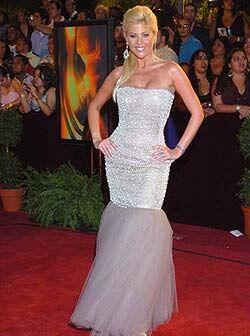 Barbie Simons, otra de las chicas Gigantes, se lució con el vestido y la...