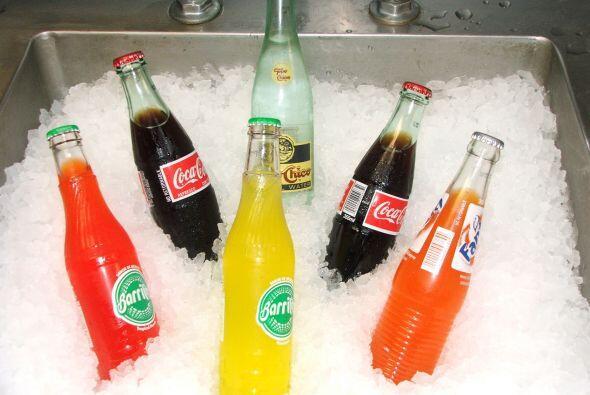 No. 4 Seguro que al ver estas aguas frescas y otras bebidas en estos env...