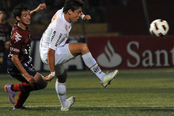 Con la victoria, Santos puso al rojo vivo la definición de la llave y se...