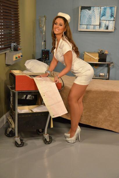 Sin duda, después de estar con una enfermera así, todo enfermo necesitar...