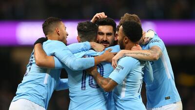 Manchester City clasifica en la FA Cup de la mano de Agüero
