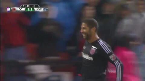 Goooolll!! Álvaro Alberto Saborío mete el balón y marca para DC United