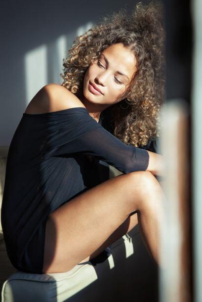 La bella modelo belga y novia del jugador del PSG, Rose Bertram, a causa...