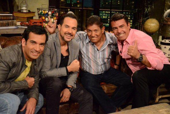 El productor de televisión Juan Osorio visitó a la jauría de perros.