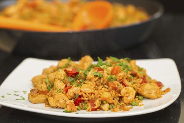 La paella de marisco también se le conoce en el mundo gastron&oac...