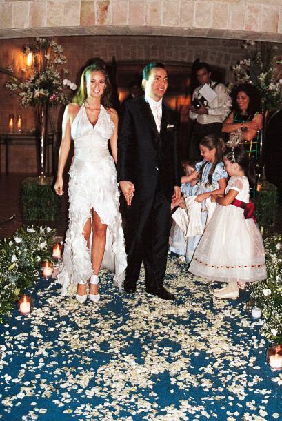 Unas semanas después, Cristian se unía en matrimonio con G...