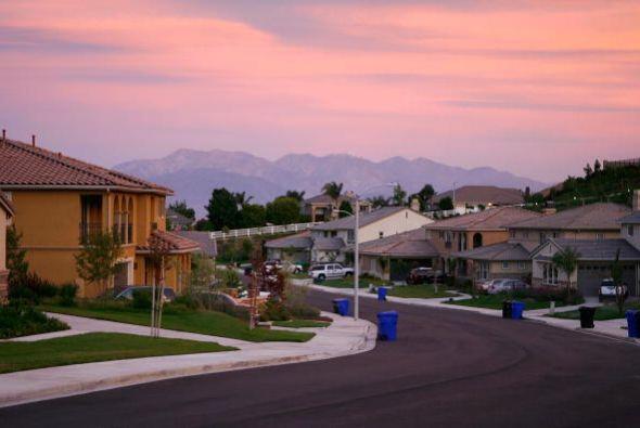 #7.San Bernardino, CA.Ofrece varios parques y otras instalaciones recrea...