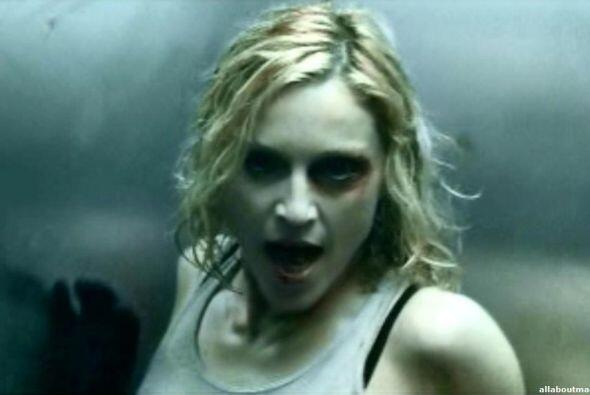 "2. ""Die Another Day"" - Madonna (2002) / $6,100,000 ($7,786,105 en el 2013)"