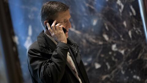 Renuncia el asesor de seguridad de Trump tras polémica por supuestas con...