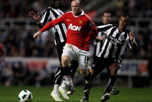 Wayne Rooney fue el conductor de cada ataque de los 'Red Devils'.