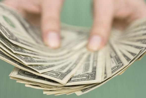 El período presente es fructífero y promete muchas ganancias. Hay dinero...