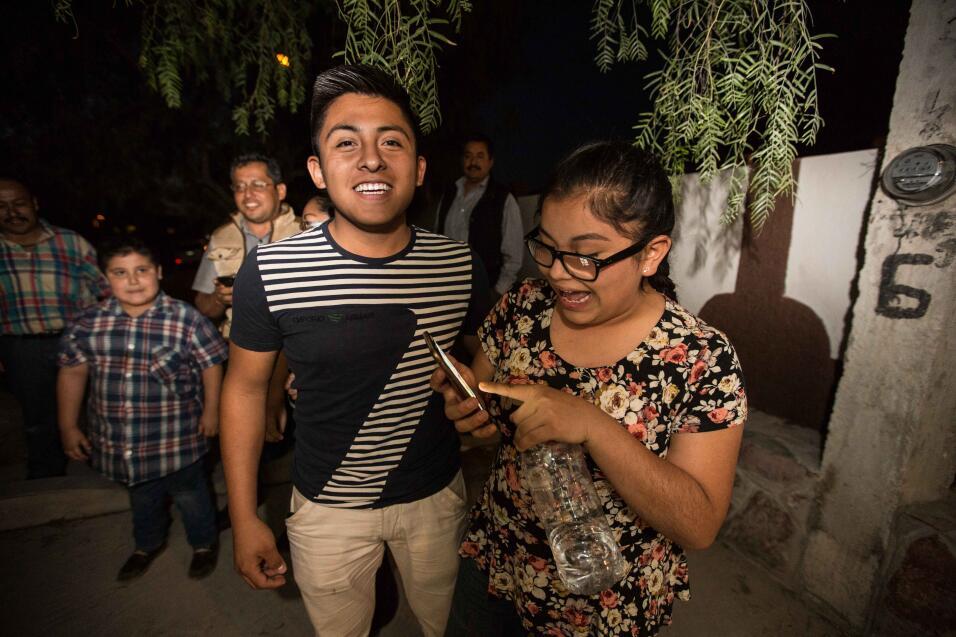 La viralidad aterriza en un pueblo mexicano sin internet (los XV de Rubí...