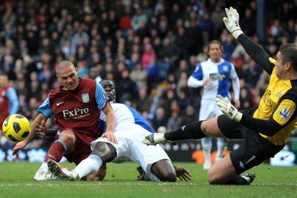 Ya no hubo más goles y Blackburn se impuso por 2-0 sobre Aston Villa.