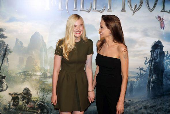 Las bromas no faltaron por parte de Angelina.Mira aquí los videos más ch...