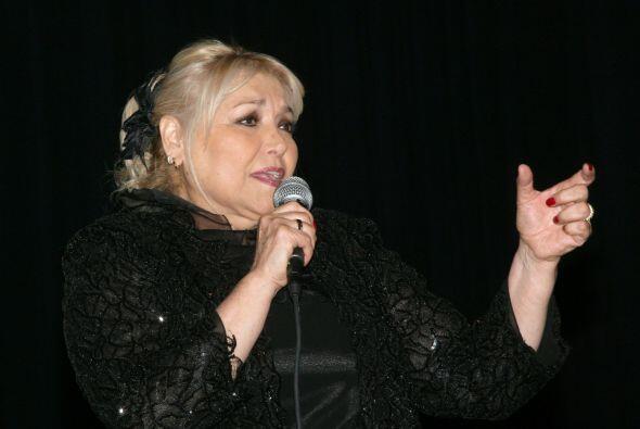 La cantante Estela Núñez salió al escenario del Oly...