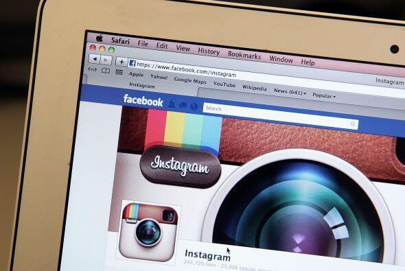 La compra de Instagram por Facebook. La red social Facebook anunció el 9...