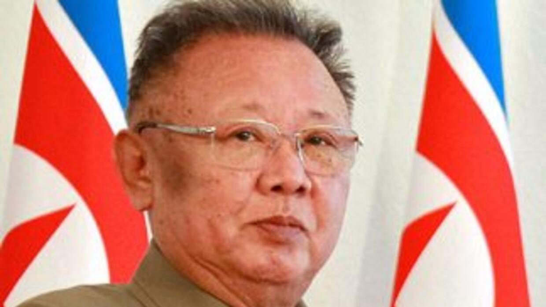 Kim Jong-Il, cuya salud era frágil desde hace años, murió el sábado, y s...