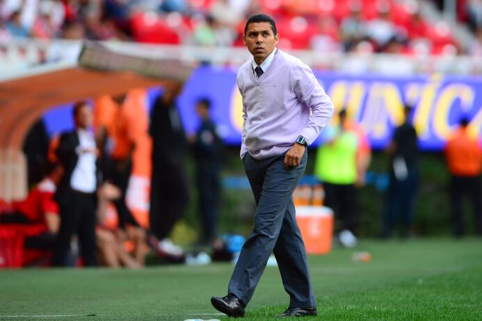Ramón Morales fue usado como salvavidas tras la renuncia de Bustos y no...