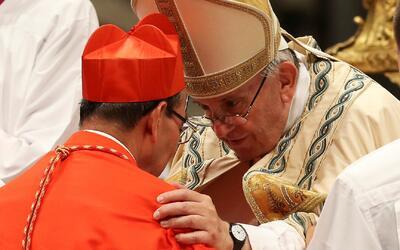 Cinco nuevos cardenales fueron ordenados por el papa Francisco en la Bas...