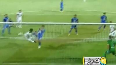 Un gol que le costó salir con la cara partida: tuvo que salir en camilla tras darle el triunfo a su equipo