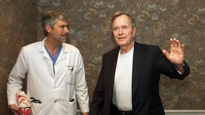 En fotos: La intensa investigación que llevó al sospechoso de matar al doctor de George W. Bush