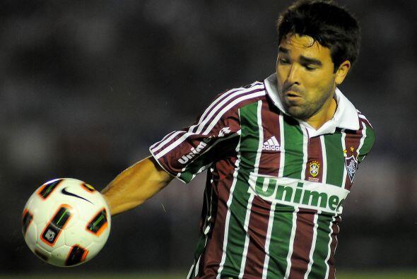Deco sigue sin aparecer en pleno en el Fluminense aunque a su favor entr...