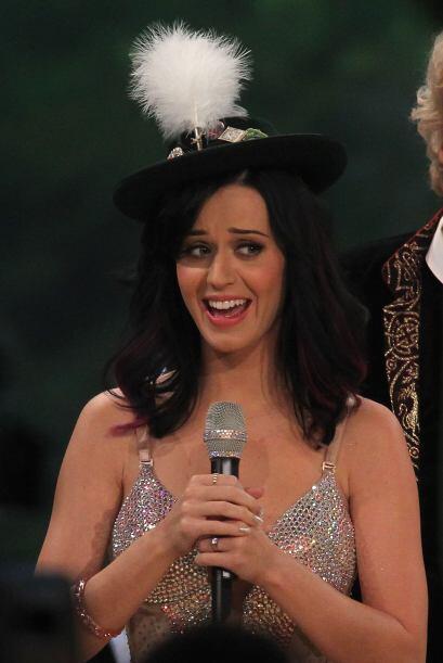 Katy maneja además los mejores accesorios, bueno a veces, este tal vez s...