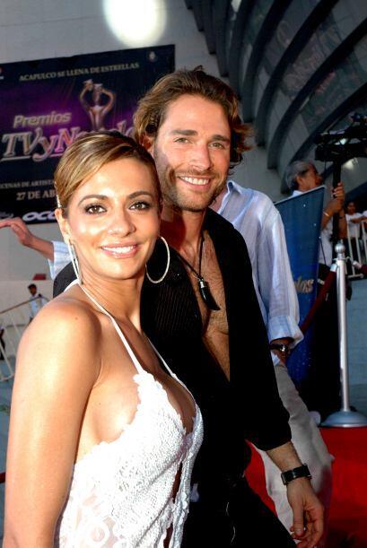 Ah, Sebastián Rulli y Cecilia Galiano. ¡Qué linda pa...