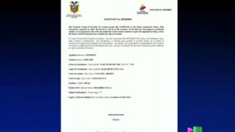 Después de solicitar asilo político a Ecuador, Edward Snowden recibió un...