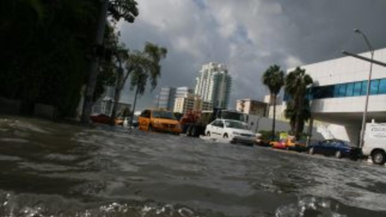 Inundación habitual en Miami Beach, FL.