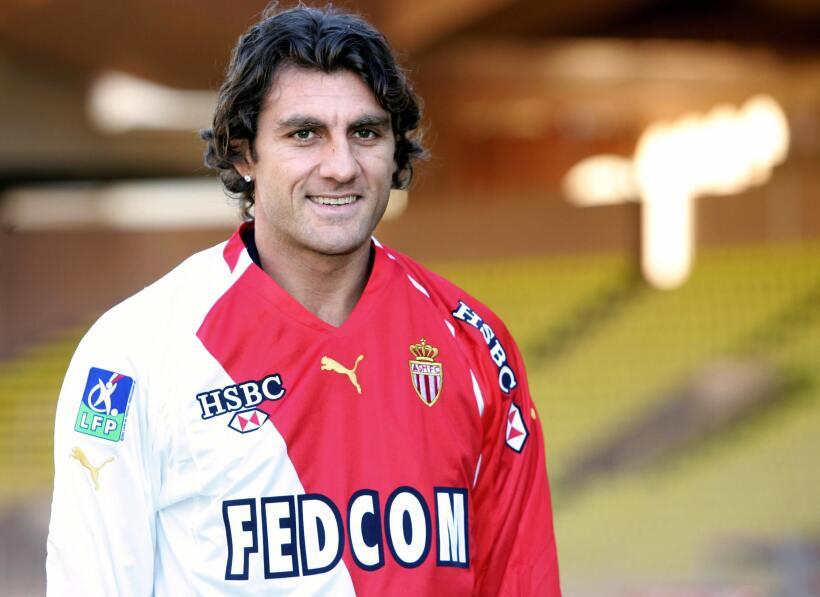 'Loco' Abreu vestirá en Uruguay su camisa 25 GettyImages-56566257.jpg
