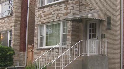 Comunidad discute el problema de vivienda asequible y precios de alquileres en Chicago