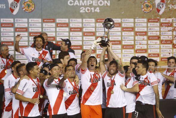 16. River Plate campeón de la Copa Sudamericana  es el segundo de Argent...