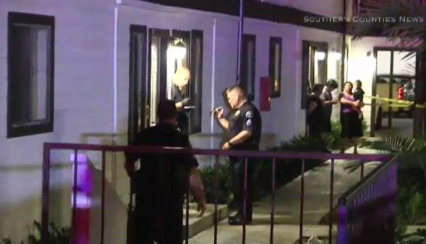 La policía de Costa Mesa investiga un asalto que dejó a tres miembros de...