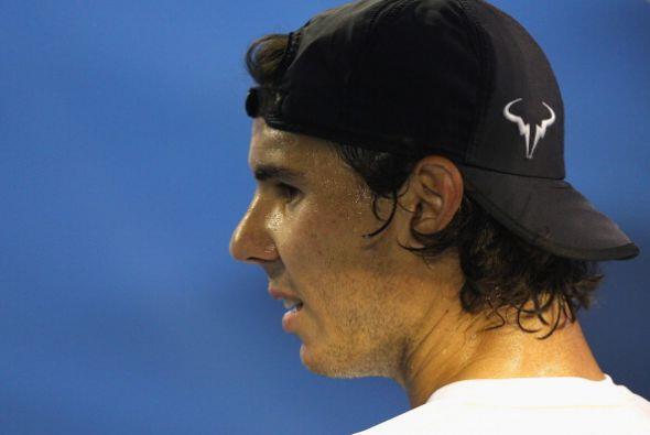 El español Rafael Nadal no tuvo un buen inicio de temporada al ser elimi...