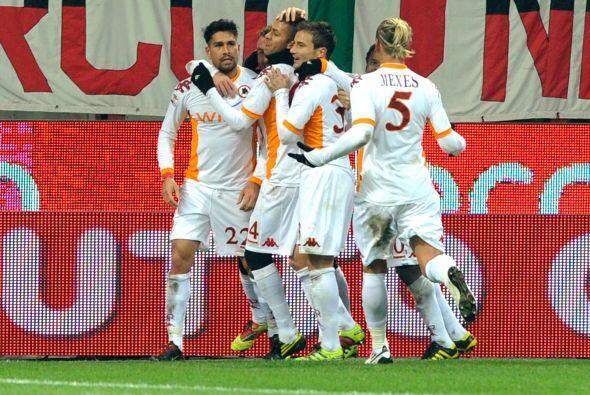 Roma venció al Milan 1 a 0 y cerró el año a pura fiesta.