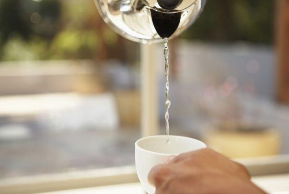 Taza caliente. Uno de los secretos de los restaurantes para que tu bebid...