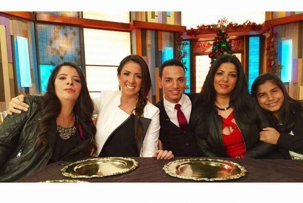 """Feliz de celebrar #Thanksgiving en @despiertaamericatv con estos invita..."