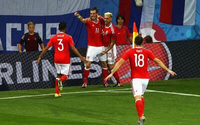 Gareth Bale y Aaron Ramsey lideraron la goleada sobre Rusia