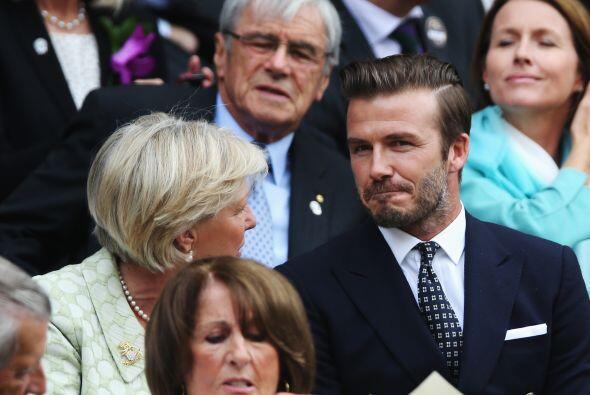 Beckham también estuvo muy atento. Mira aquí los videos más chismosos.