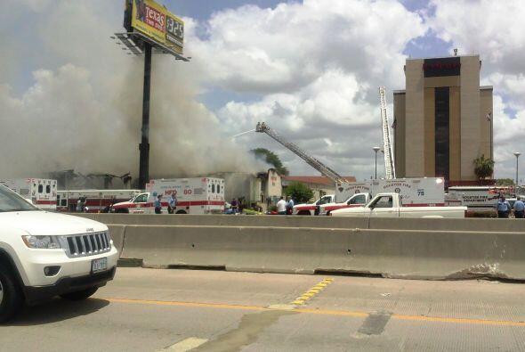 Incendio masivo en restaurante Bhojan de Houston