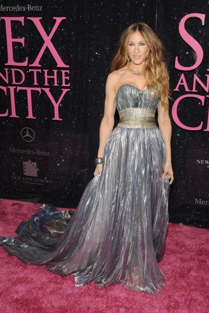 Sarah eligió para estas presentaciones vestidos increíbles.