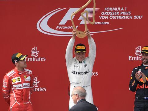 Lewis Hamilton gana por cuarta vez consecutiva el GP de Gran Bretaña Get...