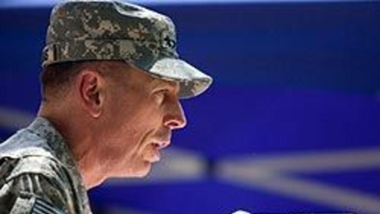 """Petraeus en Afganistán: """"Estamos en esto para ganar"""" c14837619fbe40e2b72..."""