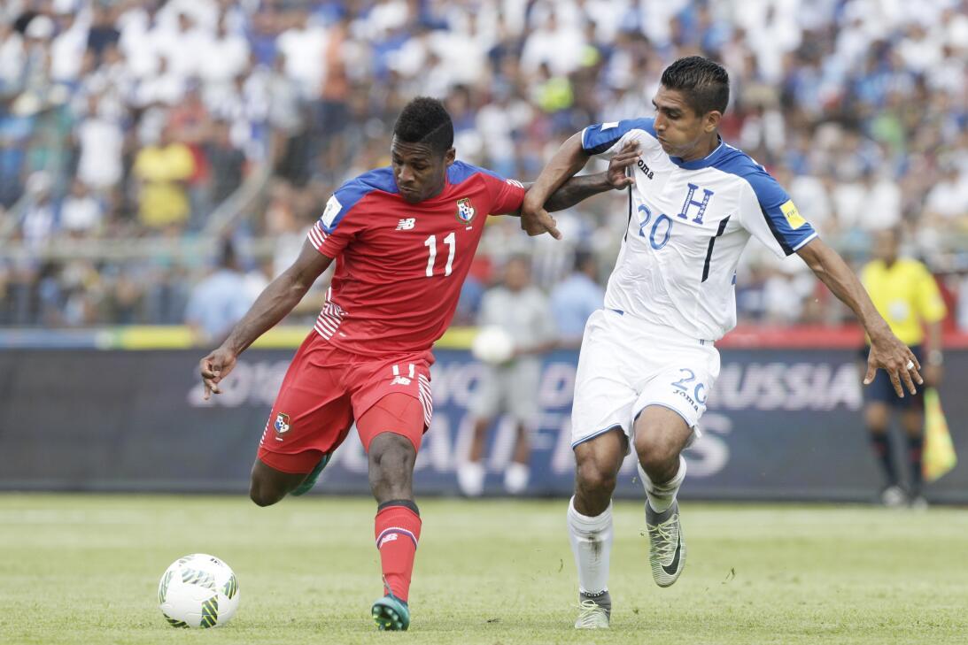 Panamá venció a Honduras en el duelo de técnicos colombianos AP_44585175...