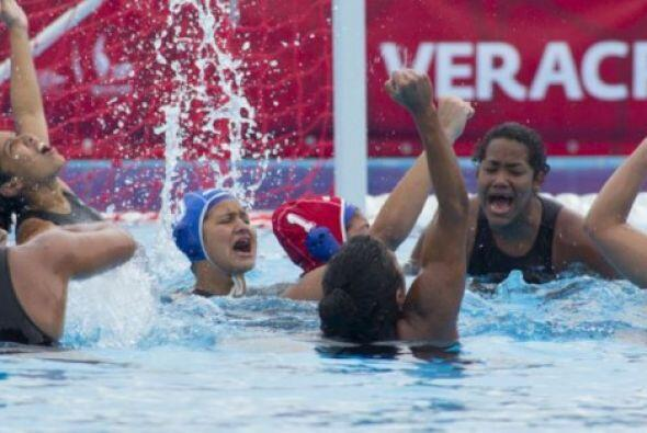 La selección de Venezuela se quedó con el título  del polo acuático feme...