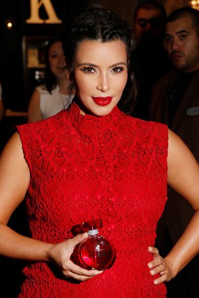 Los perfumes de Kim Kardashian son igual de polifacéticos que la famosa....