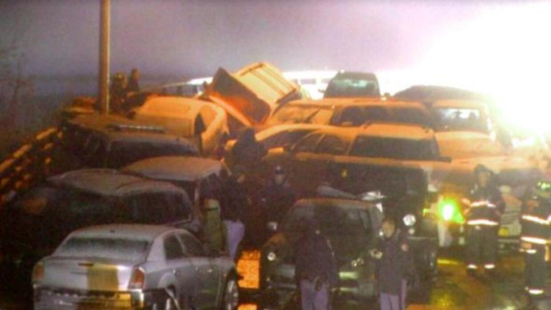 30 personas resultaron heridas en un accidente en el que más de 24 autos...